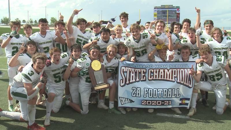 Manitou Springs Mustangs win CHSAA 2A state title game