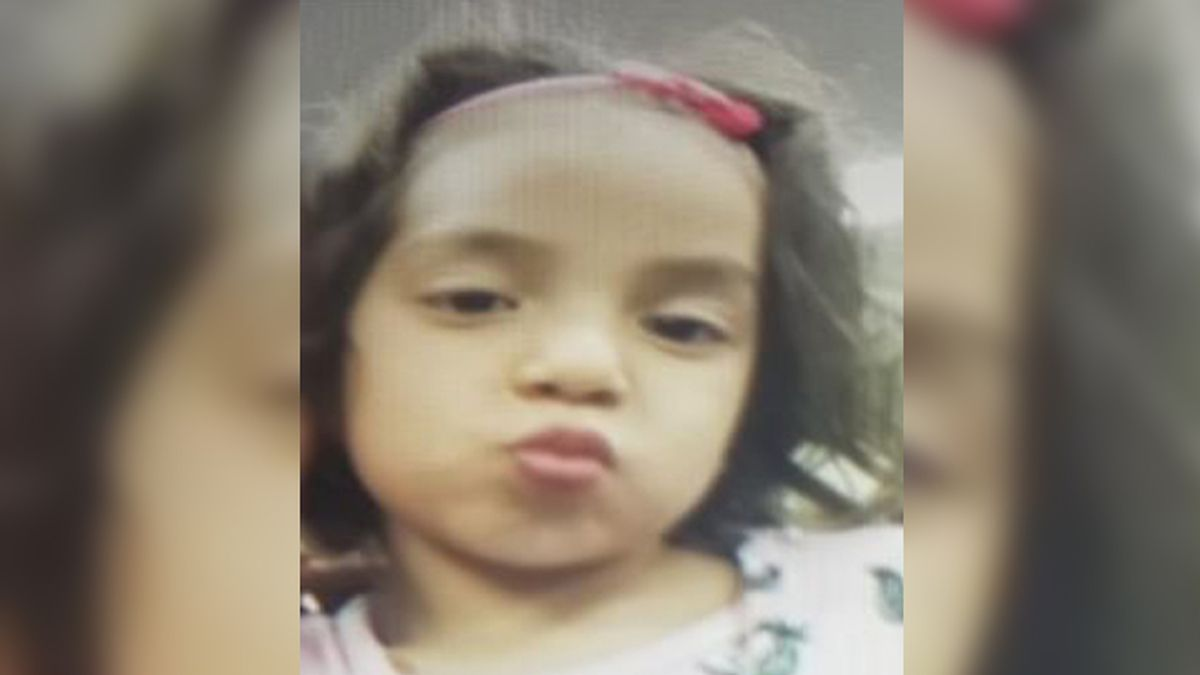 The Apopka Police Department said Madeline Mejia was last seen in the city wearing a pink shirt, blue jeans and pink shoes. (Source: Amber Alert/National Center for Missing and Exploited Children)