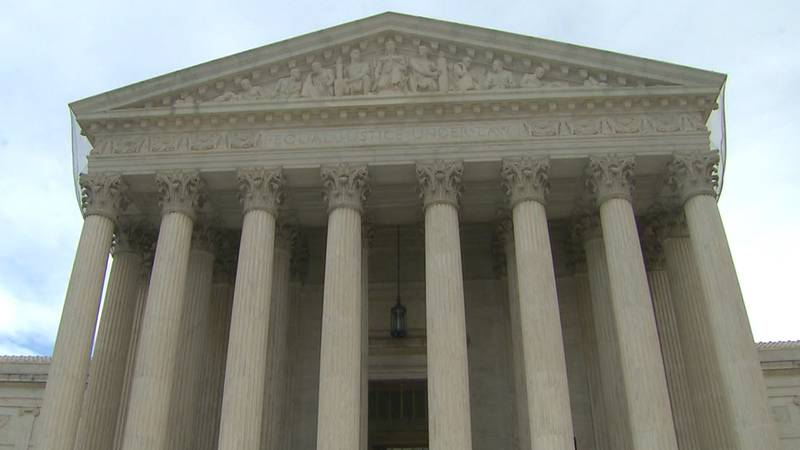 The Biden administration asks the Supreme Court to block a Texas law banning most abortions.