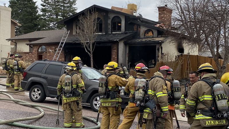 Fire in Colorado Springs along Barcelona Way 4/5/21.