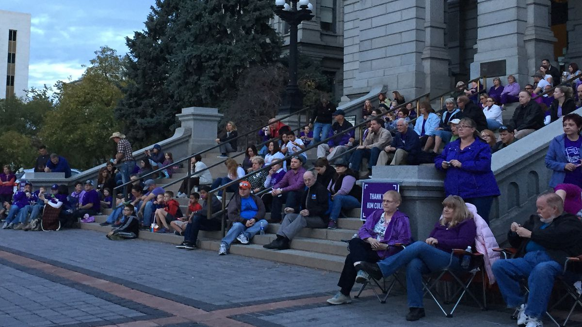 """Photo of a past """"PurlpeLight"""" Colorado event.  Photo courtesy Colorado Affiliate Pancreatic Cancer Action Network."""