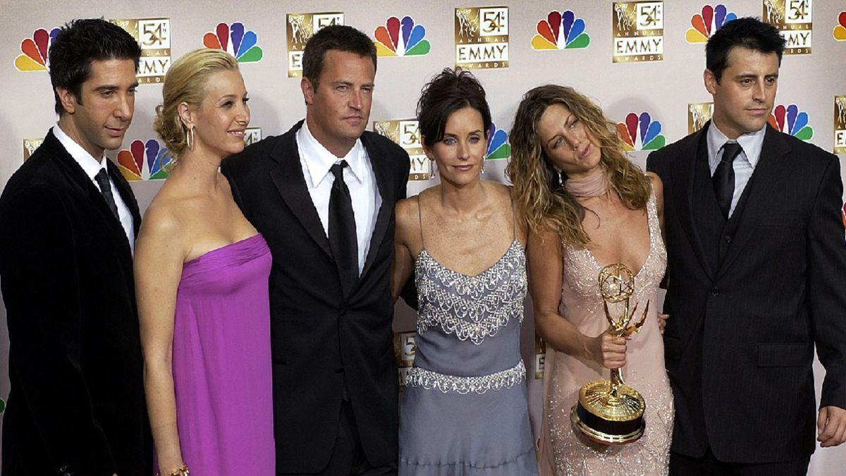"The cast of ""Friends"", from left: David Schwimmer, Lisa Kudrow, Matthew..."