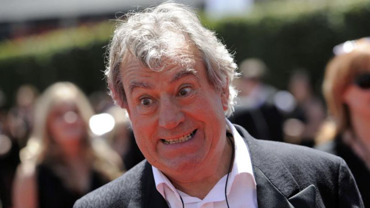 In this Saturday, Aug. 21, 2010 file photo, Terry Jones arrives at the Creative Arts Emmy Awards in Los Angeles. (Source: AP Photo/Chris Pizzello, file)