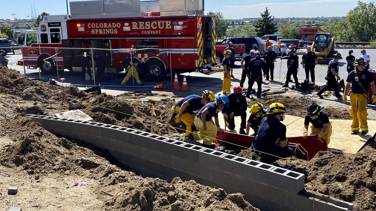 CSFD rescue person in trench